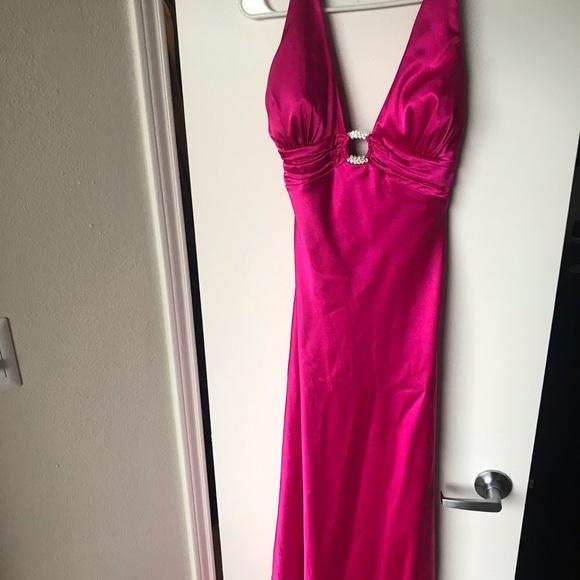 Morgan & Co. Dresses & Skirts - Hot pink prom dress